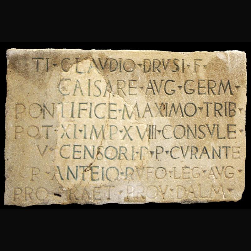Natpis iz doba cara Klaudija, Omiš – Baučići, sredina 1. st.